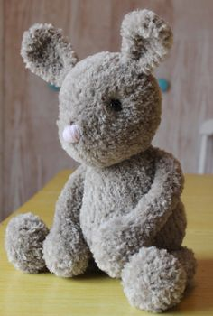 DIY: Chester the floppy bunny knitting pattern. Is it crazy that I've always wanted to sew my future-kids' *first* stuffed-toy myself? I think it's very sentimental and sweet =***