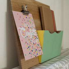 Wandorganizer pastel hout #organizer http://www.nanaas.nl/a-41347743/wanddecoratie/wandorganizer-pastel-hout/