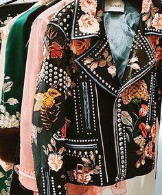 #details with @gucci. Happy #humpday! #Gucci #jacket #womensfashion #womenswear #milan #paris #miami #london #lfw #floral
