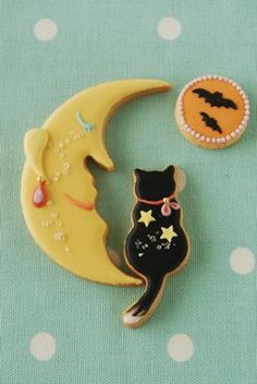 Moon and cat sugar cookies もっと見る