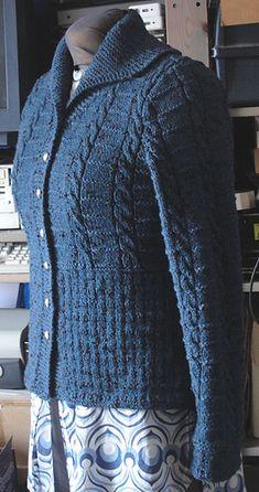 Aran Knitting Patterns, Lace Knitting, Cardigan Sweaters For Women, Cardigans For Women, Knitting Baby Girl, Mix Match Outfits, Knit Cardigan Pattern, Mode Vintage, Sweater Design
