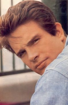 """The photo """"Warren Beatty"""" has been viewed 801 times. Hollywood Icons, Old Hollywood Glamour, Hollywood Stars, Classic Hollywood, Hollywood Men, Vintage Hollywood, Warren Beatty, Handsome Actors, Gorgeous Men"""