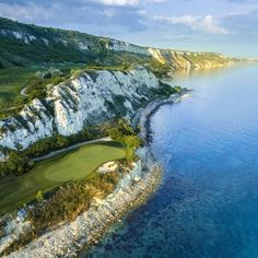 Thracian Cliffs photographed by Jacob Sjoman. Course designed by Gary Player (South Africa). This golf course is located in the beautiful Cape Kaliakra in Bulgaria. Famous Golf Courses, Public Golf Courses, St Andrews Golf, Augusta Golf, Coeur D Alene Resort, Golf Course Reviews, Golf Score, Coeur D'alene, Bulgaria