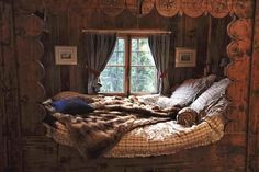 Love this rustic cabin alcove for sleeping. <3