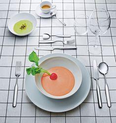 En esta atractiva composición, cubertería Collo-Alto de Inga Semp para @alessiofficial | #Diseño