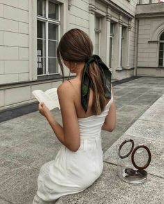 Chic ways to style a headscarf and examples of how to tie it - Hair scarf styles - Scarf Hairstyles, Cute Hairstyles, Summer Hairstyles, Quick Easy Hairstyles, Teenage Hairstyles, Elegant Hairstyles, Formal Hairstyles, Braided Hairstyles, Hair Scarf Styles