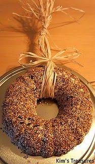 birdseed wreath with Christmas packaging ideas