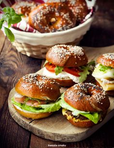 Bajgle Bagel Sandwich, Soup And Sandwich, Hamburgers, Chef And The Farmer, Romantic Breakfast, Ideas Sándwich, Sandwiches, Homemade Bagels, Good Food
