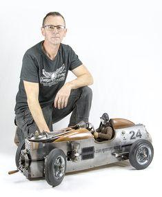 La PF24 de Jules » Auto Lego, Art Steampunk, Wooden Toy Cars, Sculpture Metal, Mechanical Art, Metal Models, Scale Models, Found Object Art, Scrap Metal Art