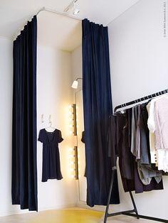 Boutique Interior, Clothing Store Interior, Clothing Store Displays, Clothing Store Design, Boutique Decor, Boutique Design, Fashion Room, Office Fashion, Office Interior Design