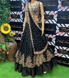 Choli Designs, Lehenga Designs, Blouse Designs, Indian Dresses, Indian Outfits, Black Lehenga, Bollywood Lehenga, Bollywood Dress, Bollywood Fashion