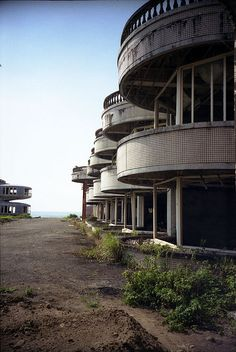 resort ghost town by formica, via Flickr