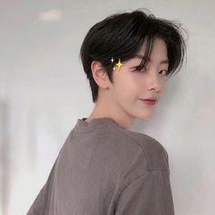 Korean Haircut Men, Korean Boy Hairstyle, Korean Short Hair, Black Hair Boy, Long Black Hair, Cute Asian Guys, Cute Korean Boys, Self Haircut, Cute Japanese Boys