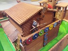 Chateau Fort Jouet, Toy Castle, Château Fort, Wooden Toys, Castles, Vikings, Figurines, Wooden Toy Plans, Wood Toys