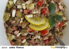 Studený čočkový salát recept - TopRecepty.cz Cobb Salad, Food, Red Peppers, Meals, Yemek, Eten