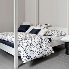Signoria Firenze Sicilia Duvet Collection. Love the bed frame!