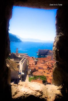 Stunning views of the Adriatic Sea from walking the Old Town Walls in Dubrovnik, Croatia. Cool Places To Visit, Places To Travel, Places To Go, Amazing Destinations, Travel Destinations, Beautiful Islands, Beautiful Places, Italy Coast, Croatia Itinerary