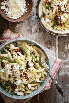 Roasted Garlic Green Bean Pasta Salad - Foodness Gracious