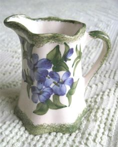 """1945 Clinchfield Artware Pottery Hand Painted Violets 4"""" Pitcher by Cash Family"""