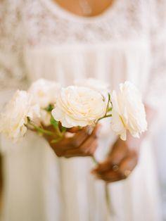 Bouquet Inspiration: Simple Bouquet: Photo Captured by Elizabeth Messina via Kiss the Groom