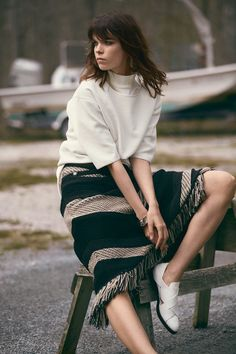 Meghan Collison is Ready for Fall in Bazaar Latin America by Hans Neumann. Shot at the Silver Sands Motel in Greenport.