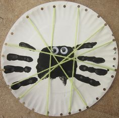 Handprint Spiders / Lacing Activity for Little Miss Muffet and Itsy Bitsy Spider Halloween Spider, Fall Halloween, Halloween Crafts, Spider Costume, Homemade Halloween, Halloween Decorations, Halloween Party, Fall Preschool, Preschool Activities