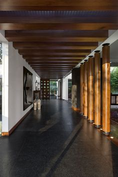 Modern entryway in stone and wood