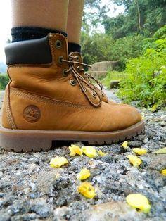 A clássica Yellow Boot foi criada para ser totalmente à prova d'água. Saiba mais sobre essa tecnologia: www.timberland.com.br/blog