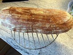 Špaldový chlieb z kvásku • recept • bonvivani.sk Spelt Bread, Ale, Recipes, Food, Ales, Meals, Yemek, Recipies, Eten