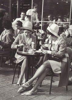 ✔️ 1960, Paris