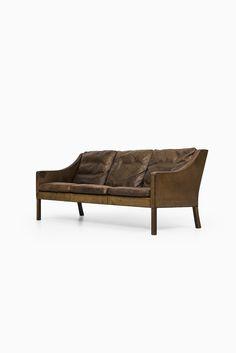 Børge Mogensen sofa model 2209 at Studio Schalling