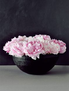 Black bowl with Pink peonies