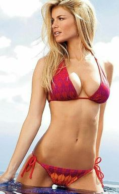 Marisa Miller is a sexy as hell Victoria's Secret model, and does a lot of work with Sports Illustrated as well. Bikini Sexy, Bikini Babes, Bikini Girls, Mini Bikini, Bikini Models, Sports Illustrated, Swimsuit Illustrated, Bikinis String, Mädchen In Bikinis