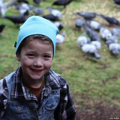 """""""Lots of people love the birds in their garden, but it's rare for that affection to be reciprocated. One young girl in Seattle is luckier than most. She feeds the crows in her garden - and they bring her gifts in return."""""""