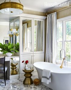 The Verona® freestanding bath is House Beautiful Magazine's featured Bath of the Month in the March 2017 issue! Interior designer, Matthew Quinn created an understated luxe, hushed spa feeling in this master bathroom.