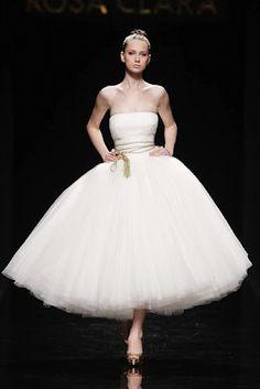Gaudí Novias Tea Length Wedding Dress (I love tea length wedding dresses...)