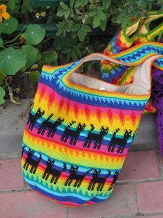 Wayuu Mochila bag cats new bag i love cats)) Mochila Crochet, Crochet Tote, Tunisian Crochet, Crochet Handbags, Crochet Purses, Love Crochet, Crochet For Kids, Beautiful Crochet, Crochet Hooks