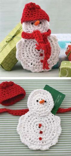 Crocheted Snowman Gift Card Cosy in Lily Sugar 'n Cream – Crocheted Snowman Gift Card Cozy … Crochet Snowman, Easter Crochet, Crochet Bunny, Crochet Christmas Ornaments, Christmas Crochet Patterns, Crochet Pattern Free, Knitting Patterns, Christmas Gift Card Holders, Crochet Unicorn