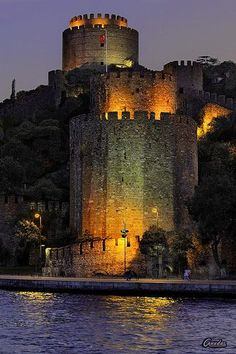 """Fortress of """"Rumeli Hisari"""" of the Bosphorus - Istanbul. It was built by """"Fatih Sultan Mehmet"""" (The Conquerer of Constantinopolis - later Istanbul) in Places To Travel, Places To See, Places Around The World, Around The Worlds, Istanbul City, Istanbul Travel, Turkey Travel, Palaces, Travel Photos"""