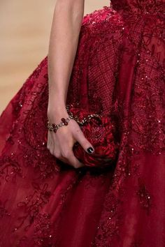 Details at Ziad Nakad Haute Couture Fall Couture Mode, Style Couture, Couture Details, Couture Fashion, Red Fashion, Fashion Details, High Fashion, Spring Fashion, Beautiful Gowns