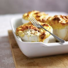 This fish pie recipe, made with haddock, prawns and fennel, is a pleasant change from a Sunday roast. Make it ahead of time and freeze. Fennel Recipes, Pie Recipes, Seafood Recipes, Cooking Recipes, Delicious Magazine Recipes, Cheesy Leeks, Fish Pie, Perfect Pizza, Sunday Roast