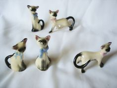 5-Vintage-Norcrest-Siamese-Cat-Figurines-Miniature-Cats-Fine-China-Cats-w-Bows
