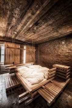 VIENNESE GUEST ROOM, Vienna, 2015 - heri&salli #bedroom #pallets