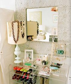 gorgeous accessories closet, idea for my small walk in closet