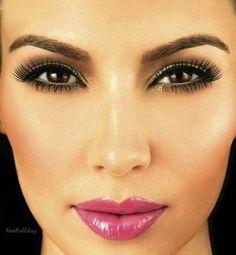 Kim Kardashian& make up is beautiful&+ I want her eyebrows! Perfect Makeup, Gorgeous Makeup, Love Makeup, Makeup Looks, Pretty Makeup, Kim Makeup, Elegant Makeup, Perfect Eyebrows, Flawless Makeup