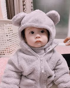 Cute Baby Boy, Cute Little Baby, Baby Kind, Little Babies, Cute Kids, Cute Asian Babies, Korean Babies, Asian Kids, Cute Babies