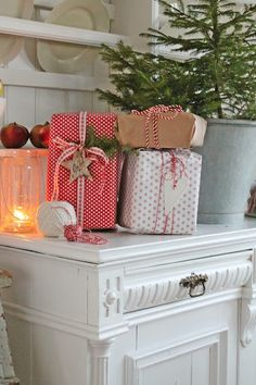 Love the combination of Kraft paper and the red and whites with ribbon and string.