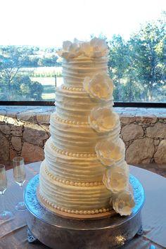 Bulging ribbon swirl #swirlcake #swirl #bulgingribbonswirl #classiccakesbylori
