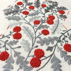 Comolife Made in Japan , Japanese Traditional Needlework Kit , Lovely Flower and Forest Coaster - Embroidery Design Guide French Knot Embroidery, Hand Work Embroidery, Japanese Embroidery, Crewel Embroidery, Hand Embroidery Patterns, Embroidery Thread, Machine Embroidery, Bordado Floral, French Knots