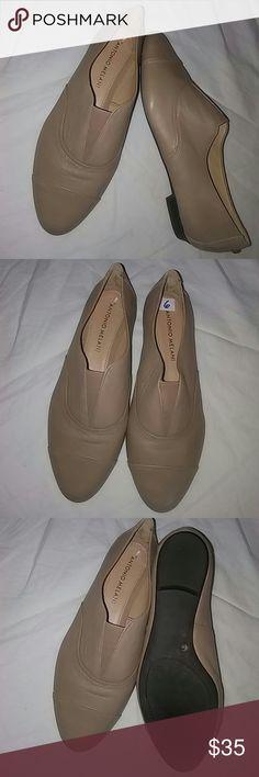Antonio Melani Flat Shoes Sz 6M Genuine Leather.. ANTONIO MELANI Shoes Flats & Loafers